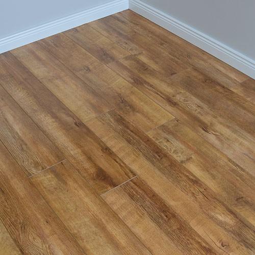 laminated wooden flooring balterio supreme 4v old oak laminate flooring IVBECHY