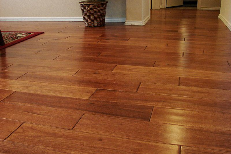 laminated wooden flooring you will not notice its difference with solid hardwood. after years of use, QDIDWTW