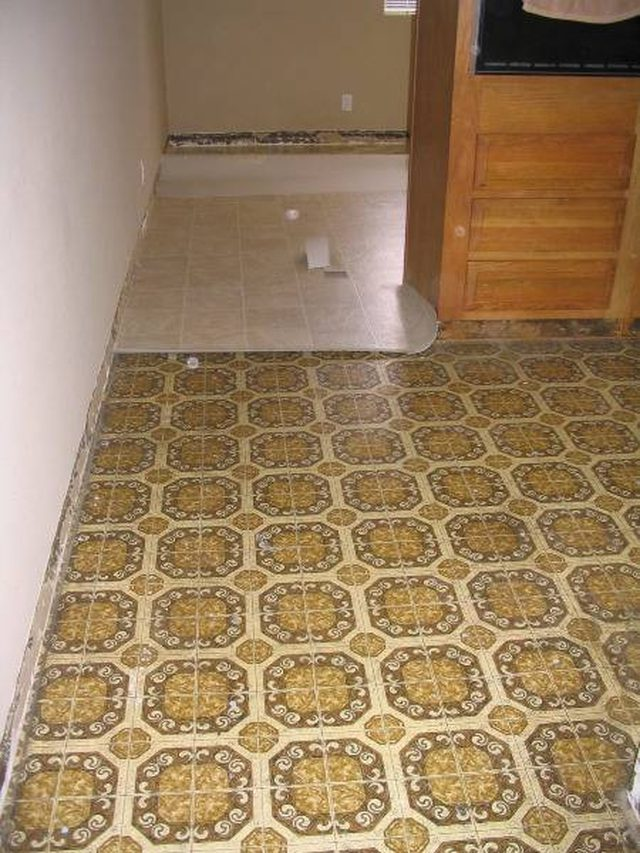 linoleum floor what is linoleum made of? TIPGRHM