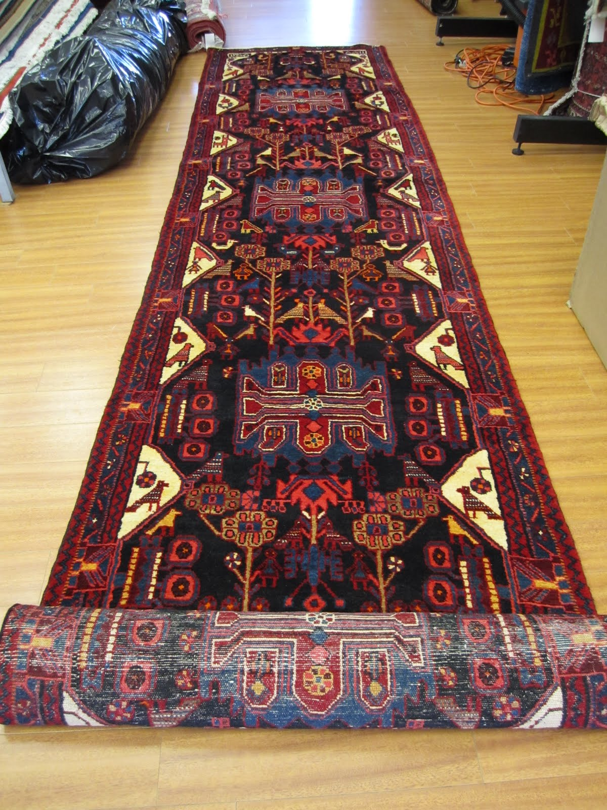 nahavand carpets and rugs: a unique runner OUIAXNZ