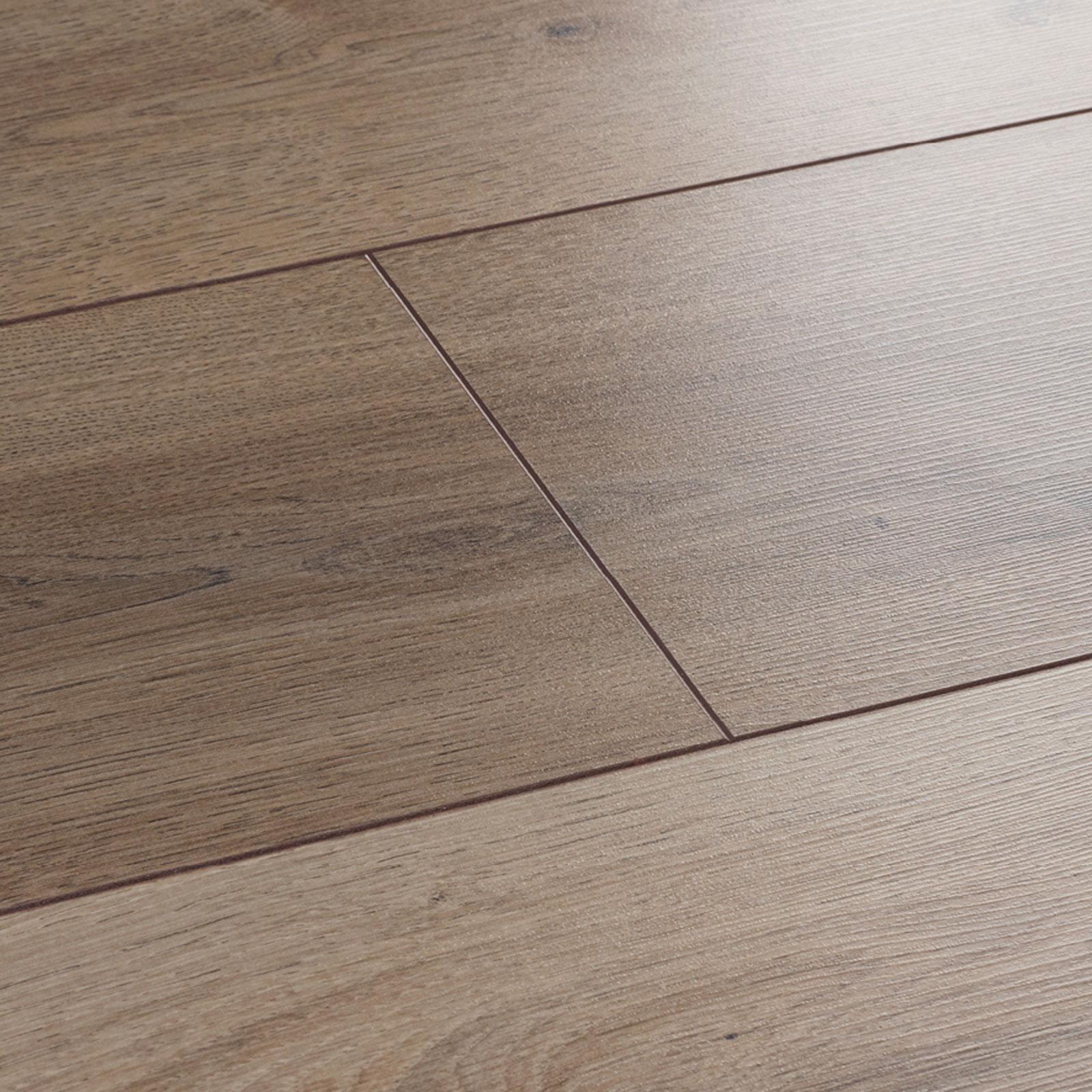 Oak laminate flooring wembury nordic oak laminate flooring swatch RWMBBSE