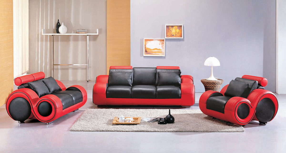 How red sofa adds flavor to your room