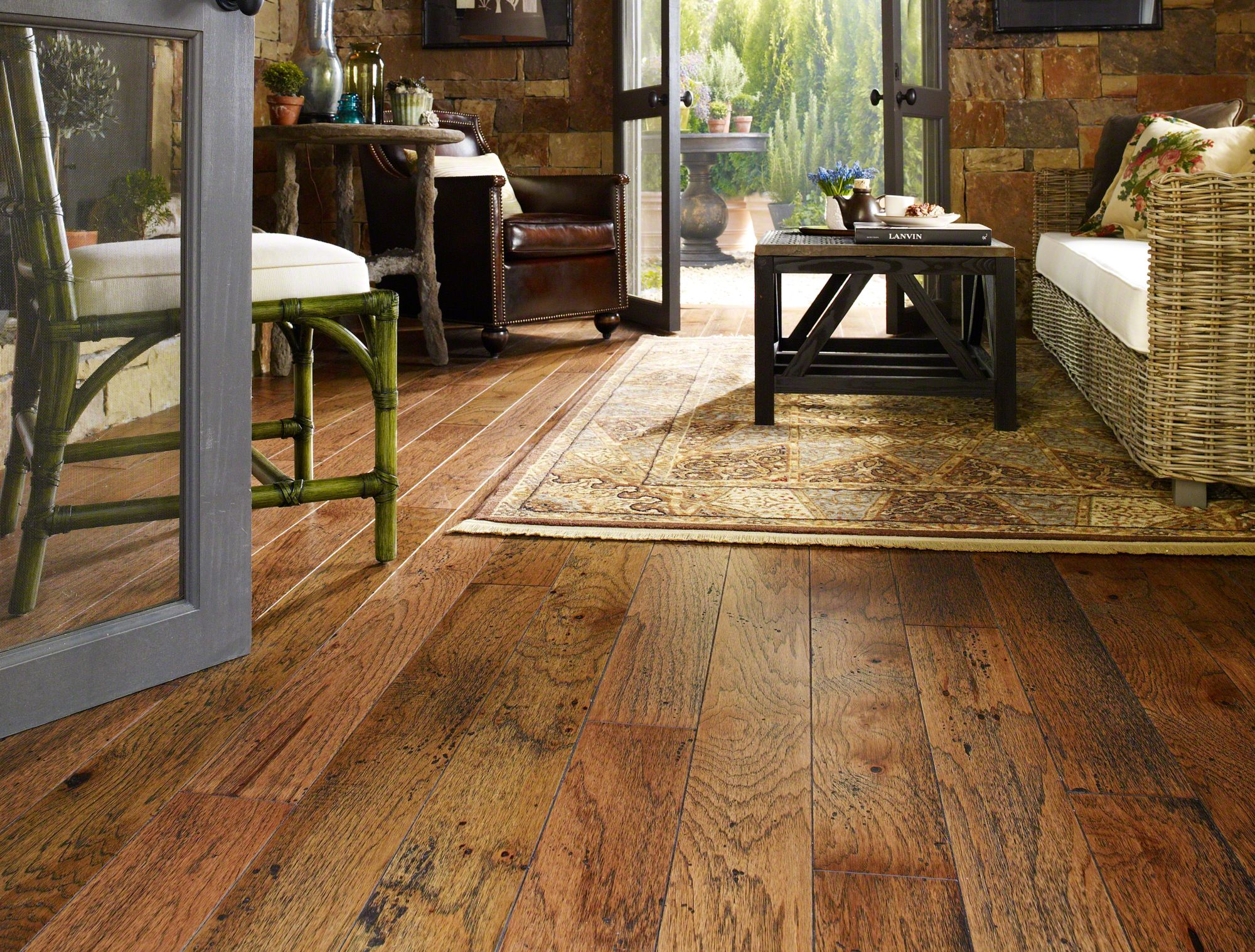 Various advantages of shaw wood flooring