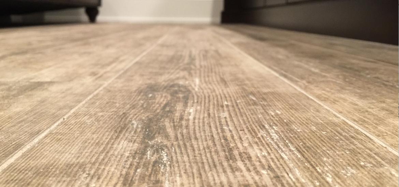Tile hardwood tile that looks like wood vs hardwood flooring EAQKENU