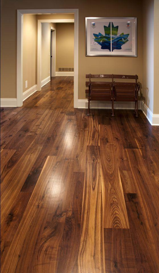 walnut floors this walnut wide plank flooring is cut from dead or fallen virgin wood YXLIHYG