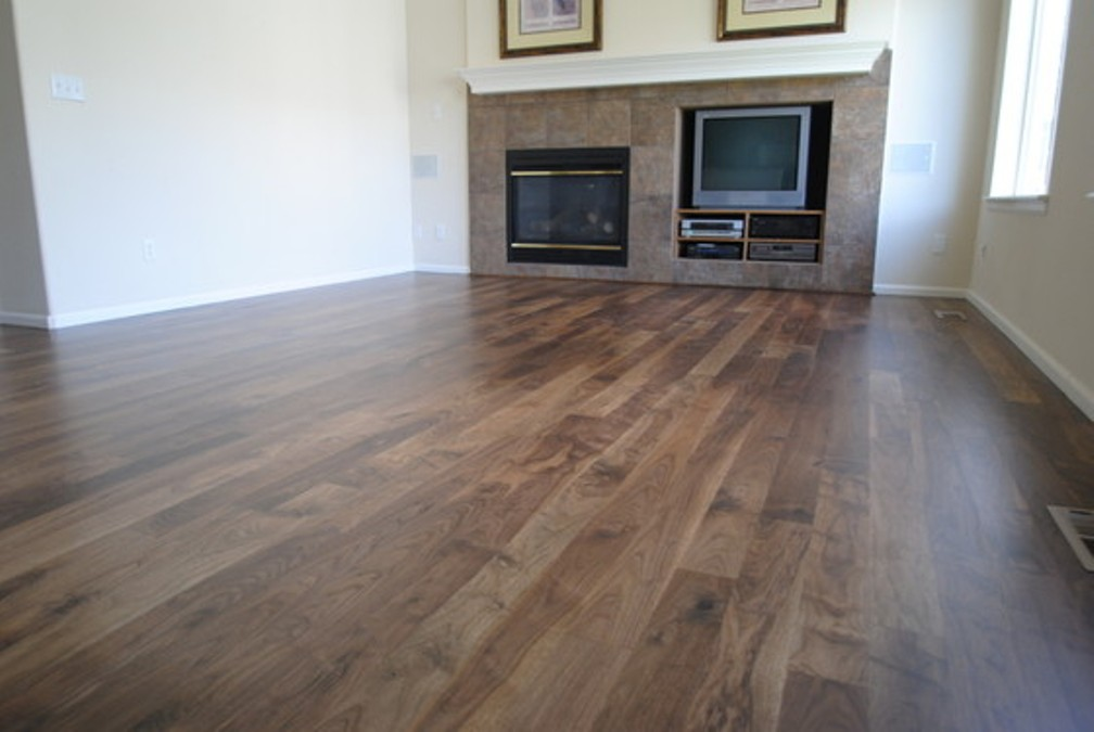 Walnut wood flooring wonderful natural american walnut hardwood flooring GOAYENL