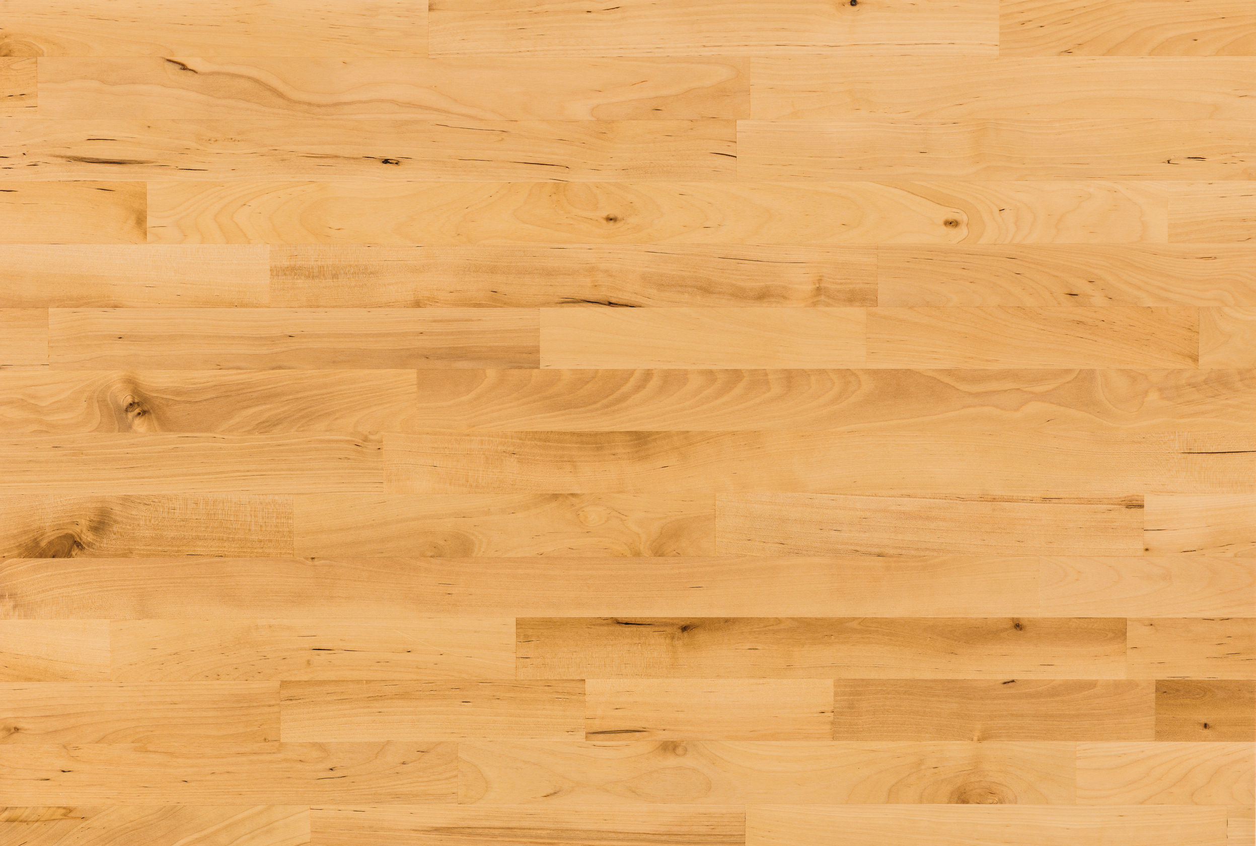 with some birch flooring options, the sapwood and heartwood may be blended XSKPRHI