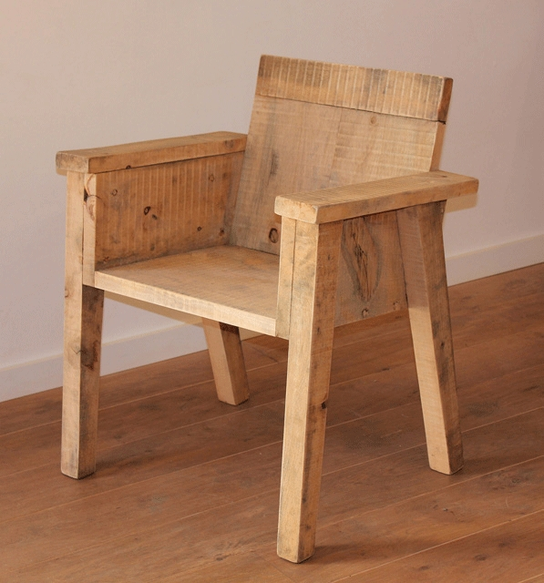 Importance of wooden chairs to plastic chairs
