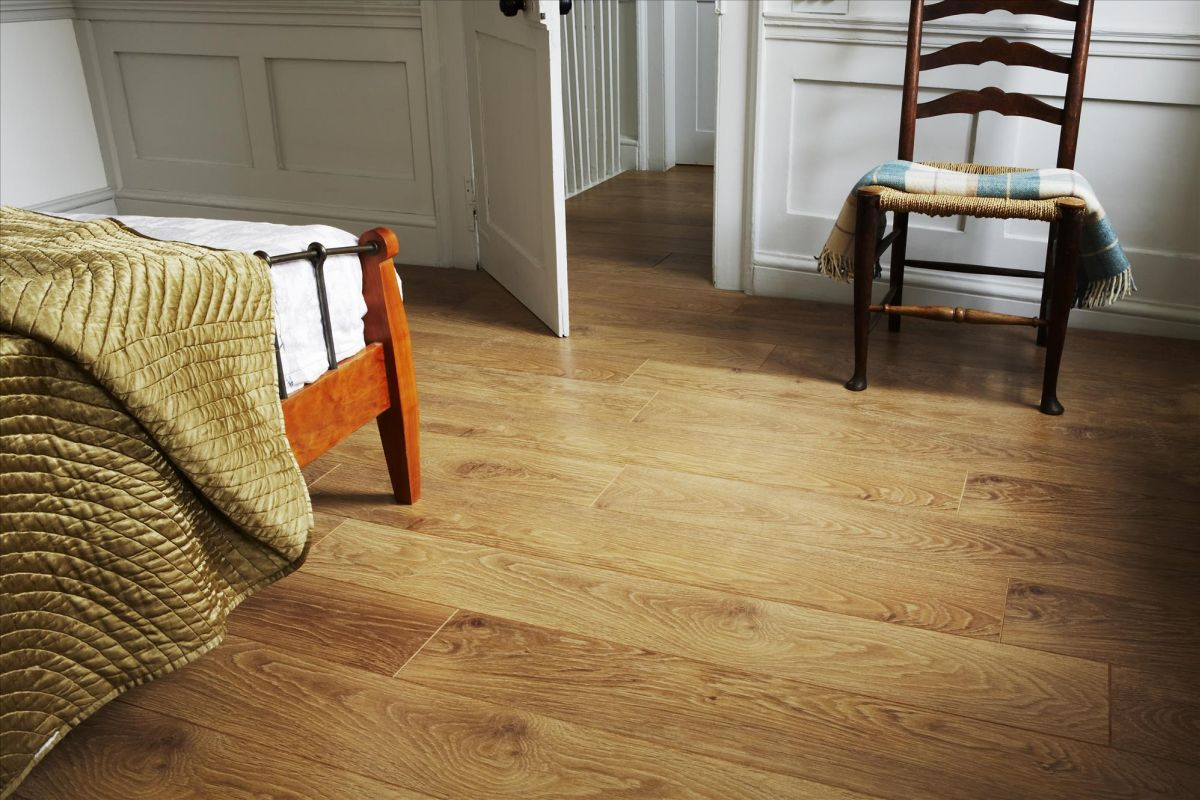 wooden laminate flooring cozy bedroom with laminate wood floor BEAYLHT