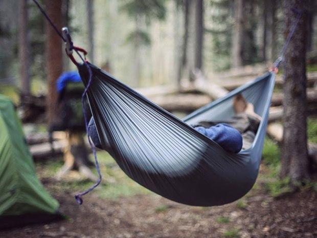 8 Expert Tips for Comfortable Hammock Camping – Boys' Life magazi