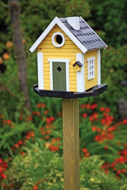 Three ideas for Decorating Your Garden | Bird houses painted, Bird .