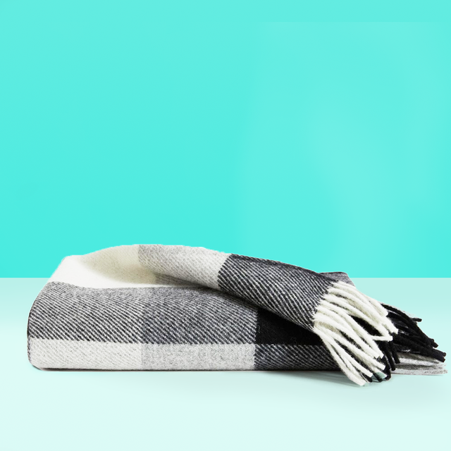 9 Best Blankets - Warmest Throws and Plush Blankets for Wint