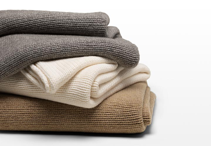 Throws & Blankets - Luxury Linens | Fret