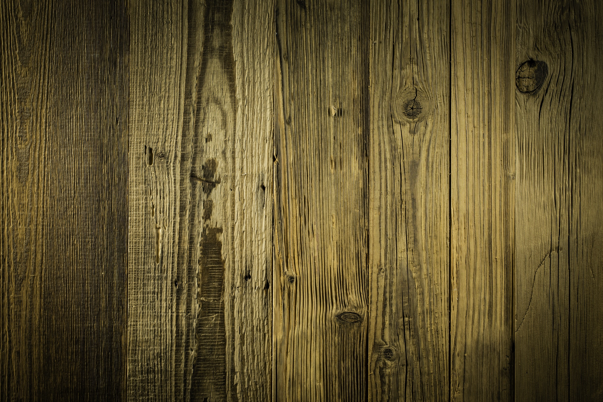 Choosing the most suited hardwood floor colour
