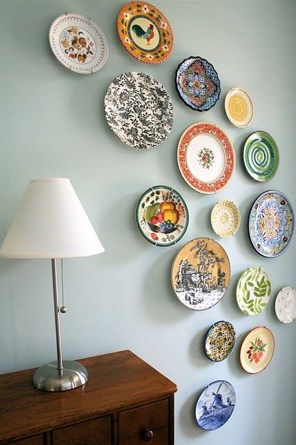 mmmcrafts: corners of my house: foyer plate wall | Plate wall .