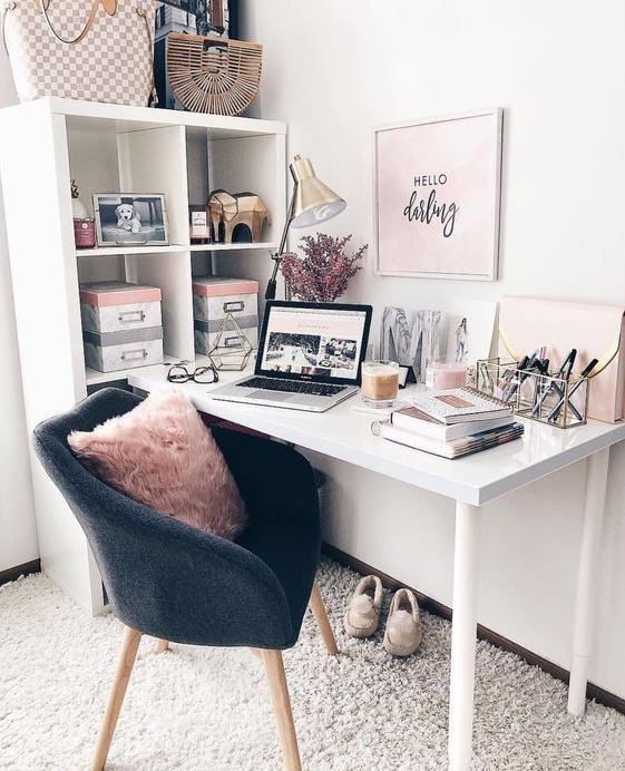 Cute Desk Decor Ideas for your dorm or office! #desk #decor #ideas .