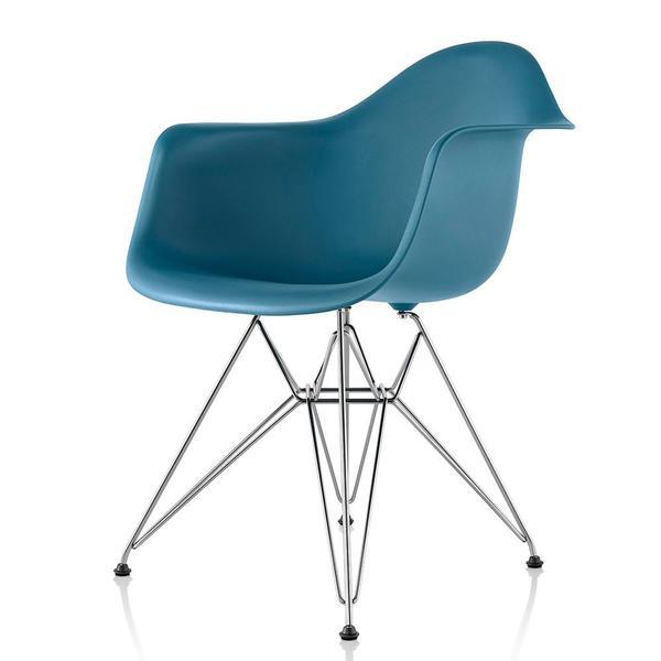 Eames® Molded Plastic Armchair - Wire Base | Lekker Ho