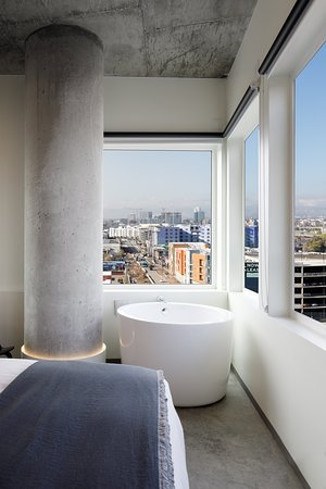 Japanese style soaking tub - Picture of The Source Hotel, Denver .
