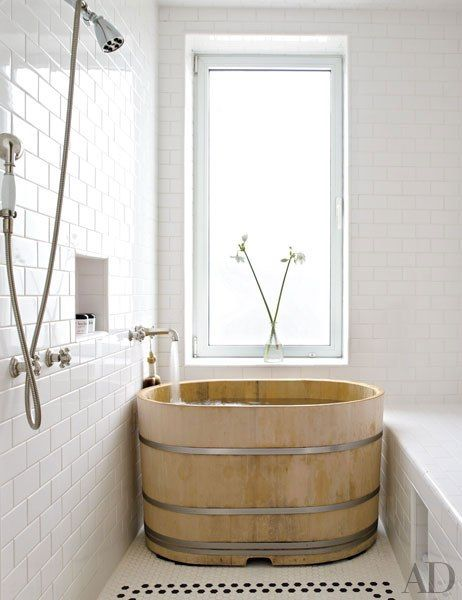 19 Japanese Soaking Tubs That Bring the Ultimate Comfo