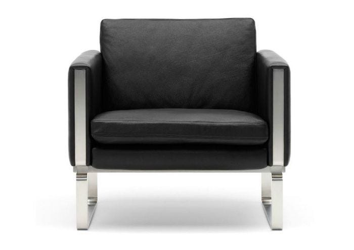 CH101 Lounge Chair by Carl Hansen & Son | Urbanspace Interio