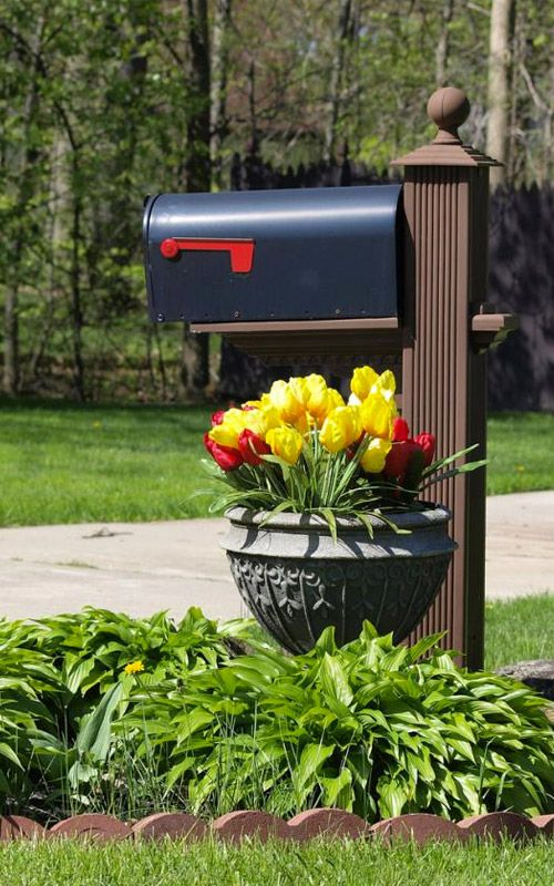 15 Mailbox Planter Ideas To Spruce Up Your Street | Mailbox .