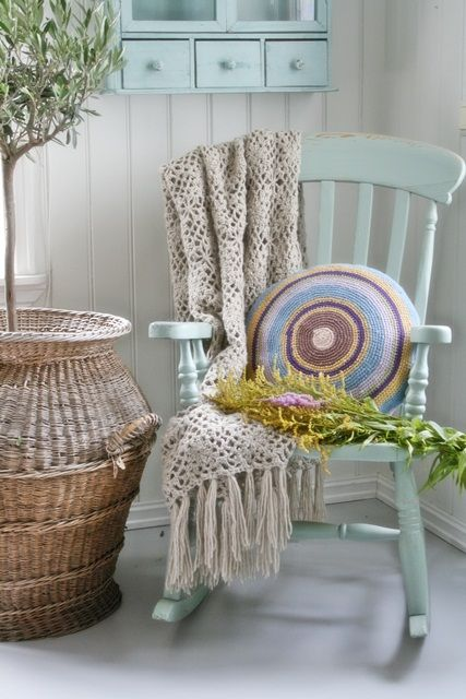 Pin by Beulah Laster on Sacred Quiet at Home | Old rocking chairs .