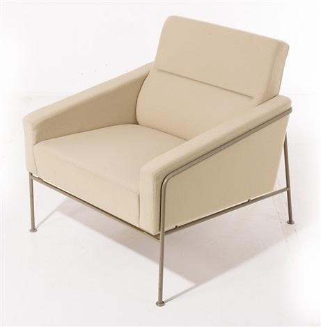 SERIES 3300 ARMCHAIR by Arne Jacobsen on artn