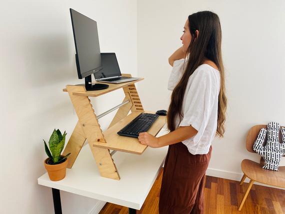 Minimal wood standing desk converter | Et