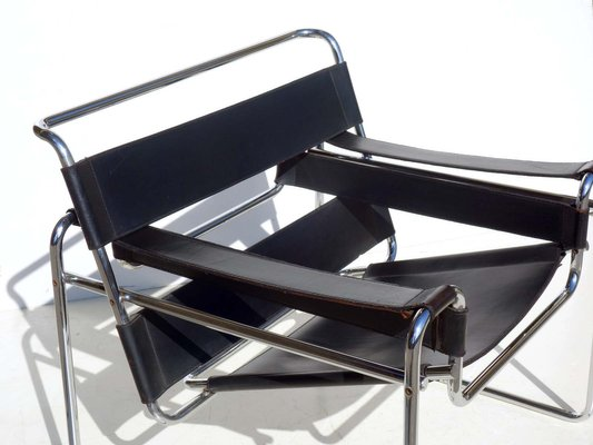Bauhaus Black Leather Wassily Chair by Marcel Breuer for Gavina .